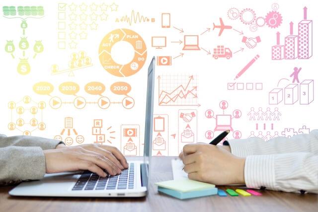 専門に特化したブログを作るのですか?【楽楽スクール】